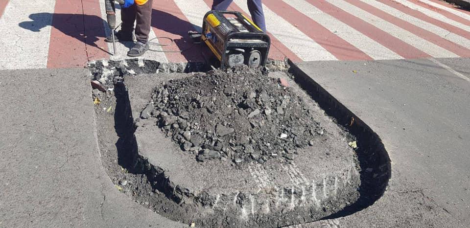 На дорогах Одессы начали строить островки безопасности