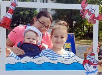 Дети, книги, тельняшки: в Одессе прошел «полосатый» фестиваль (фото)