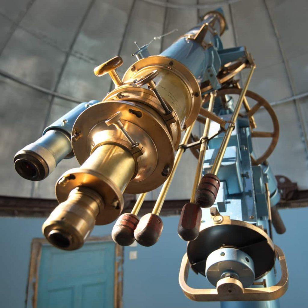 Старинный английский телескоп в Одесской обсерватории