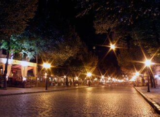 В Одессе проходит масштабная замена уличного освещения: каким будет новое
