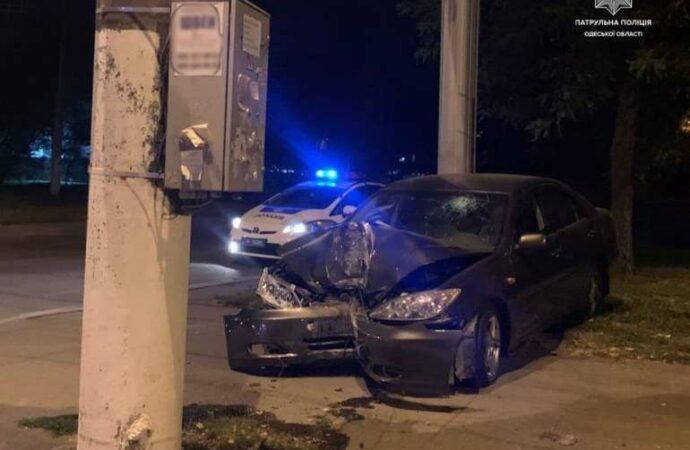 ДТП в Одессе: смерть пешехода и «встреча» со столбом
