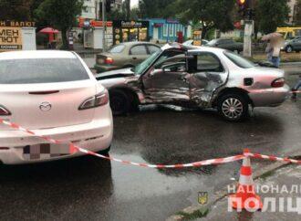 В Одессе полицейский поехал на красный и спровоцировал смертельное ДТП