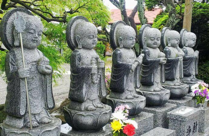 Что сегодня празднуют буддисты в Японии?
