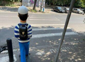 В Одессе устанавливают пластиковых «Януковичей» – но есть ли в них смысл? (фото)
