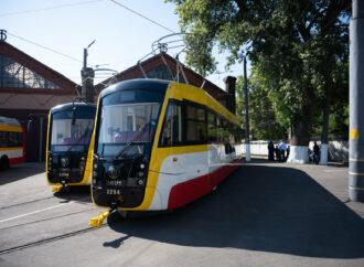 В Одессе временно не ходят два трамвая – почему?