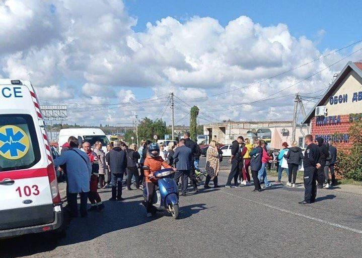 протестующие перекрыли дорогу в Кучурганах