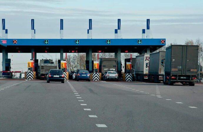 В Украине появятся платные дороги: сколько будет стоить?