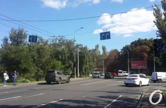 На площади Деревянко нанесли новую разметку и запутали водителей