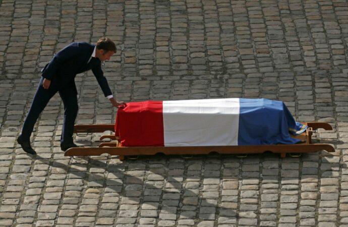 Франция простилась с легендарным актером Жан-Полем Бельмондо (видео)