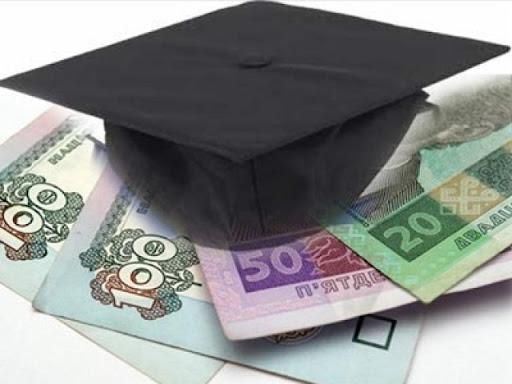 20 лучших школьников Одессы получили стипендии