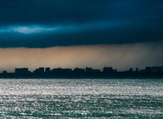 По Одессе объявлено штормовое предупреждение: ожидают сильный дождь и ветер