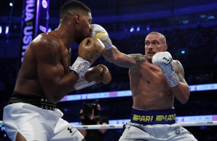 Александр Усик стал абсолютным чемпионом мира по боксу