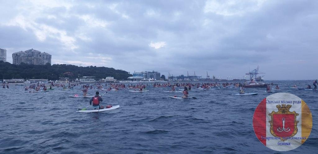 массовый заплыв на каяках в День города2