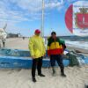 На одесский пляж выбросило потерпевший бедствие катамаран