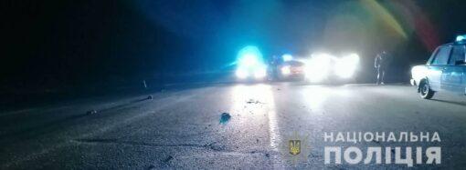 На трассе авто убило пешехода, а в Одессе сожгли две машины