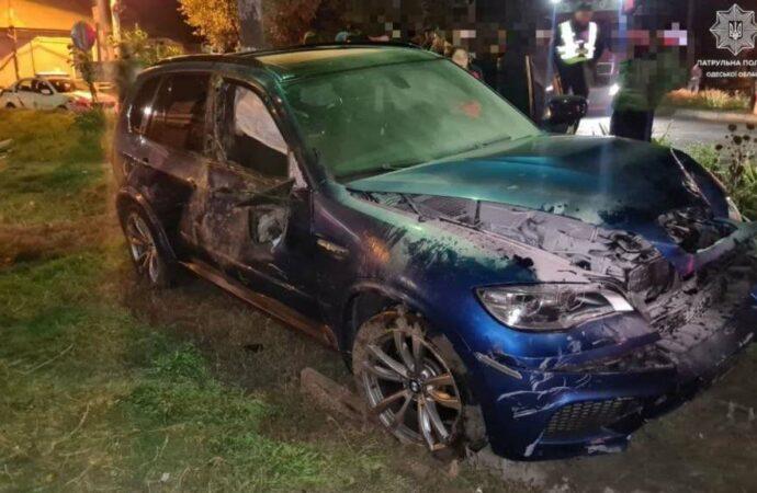 В Одессе BMW «поцеловал» шлагбаум и перевернулся (фото)