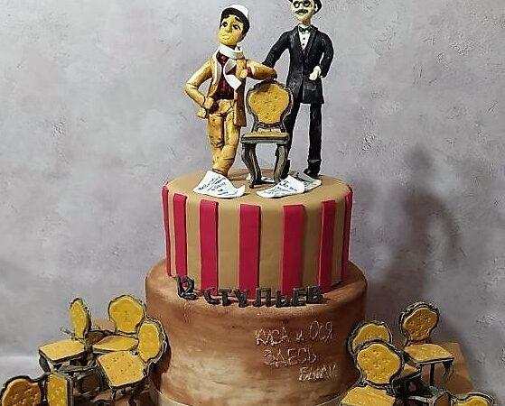 «Киса и Ося были здесь»: коллективу одесской Музкомедии вручили необыкновенный торт