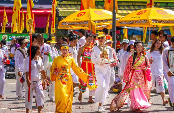 Что сегодня отмечают буддисты в Таиланде?