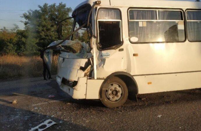 В Одессе маршрутка столкнулась с грузовиком