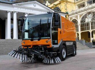 В Одессе 10 машин заменят «армию дворников»